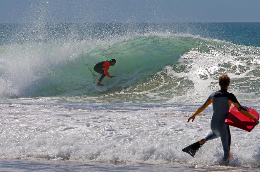 Circuito Mundial De Surf : Peniche mantém penúltima etapa do circuito mundial de surf